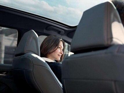 Kompaktwagen PEUGEOT 308 – Panorama-Glasdach