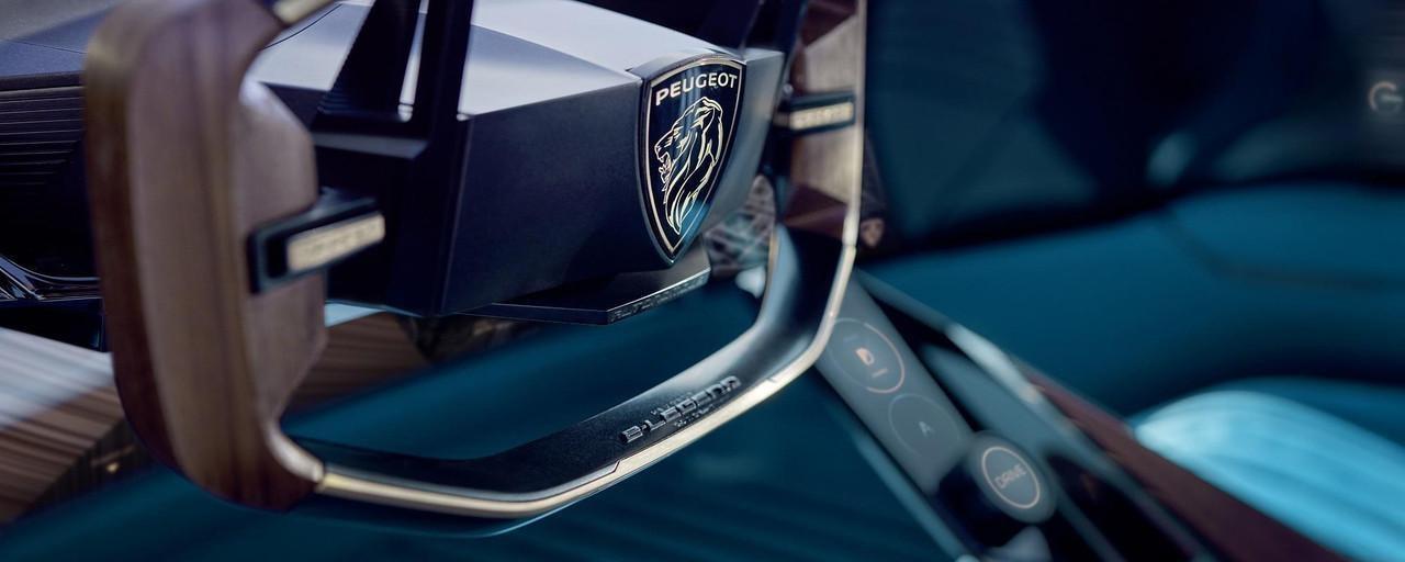 PEUGEOT-Concept-Car-e-Legend-Innendesign-Lenkrad-Logo