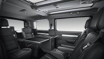 PEUGEOT Traveller Business Komfort Raum