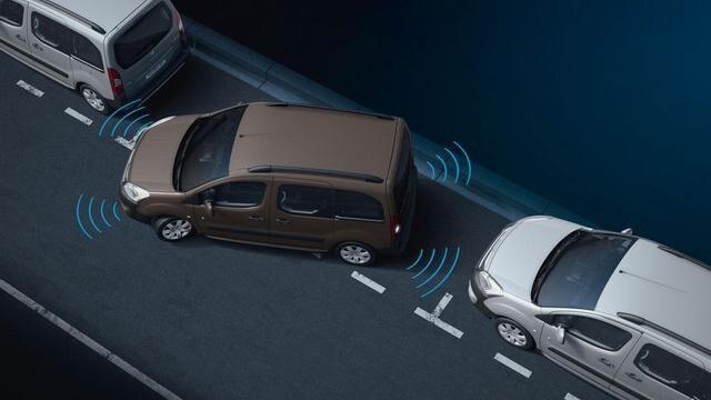 PEUGEOT-Partner-Kastenwagen-Technologie-Sicherheit-Einparkhilfe