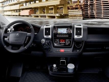 PEUGEOT-Boxer-Kastenwagen-Technologie-Amatur-Navigation