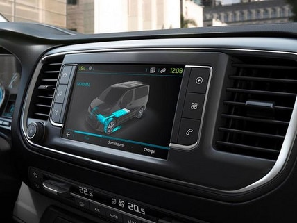 Der neue PEUGEOT e-Expert – 3D Touchscreen