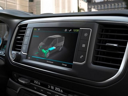 PEUGEOT e-Traveller Business mit Elektromotor – 3D-Touchscreen