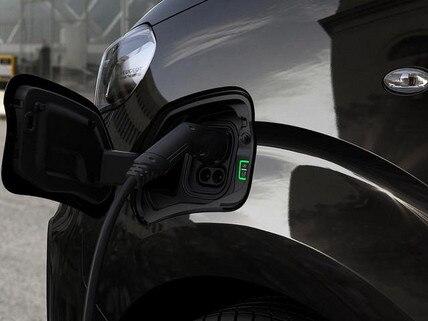 PEUGEOT e-Traveller Business mit Elektromotor – Aufladen zu Hause