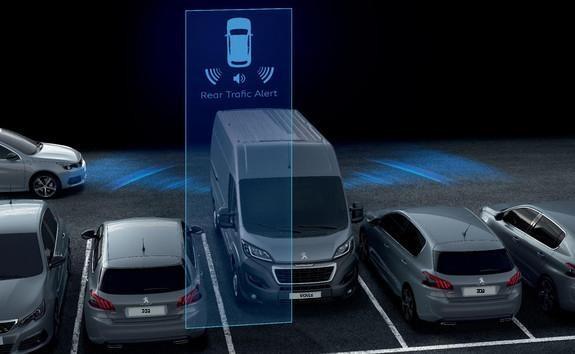 Kastenwagen-PEUGEOT-Boxer-Rear-Traffic-Alert
