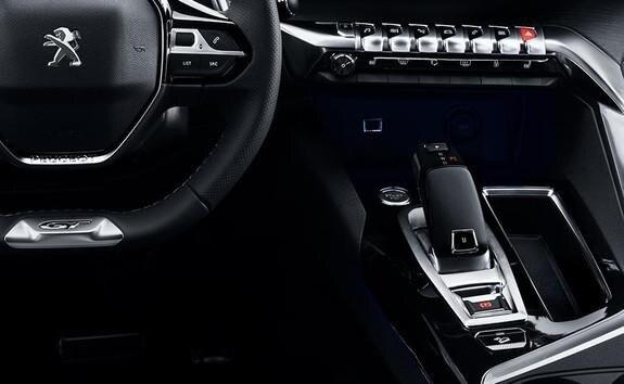 SUV-HYBRID4-PEUGEOT-3008-8-Stufen-Automatikgetriebe