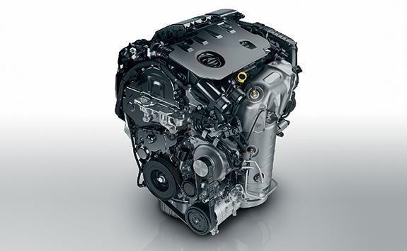 SUV-HYBRID4-PEUGEOT-3008-BlueHDi-Motor