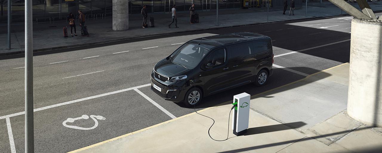 PEUGEOT e-Traveller Business – Kleinbus mit elektrischem Antrieb fuer Gewerbekunden