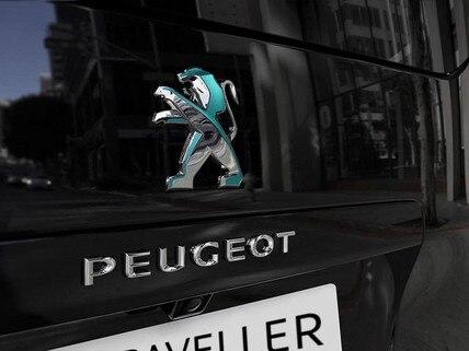 PEUGEOT e-Traveller Business – Heck mit PEUGEOT Logo