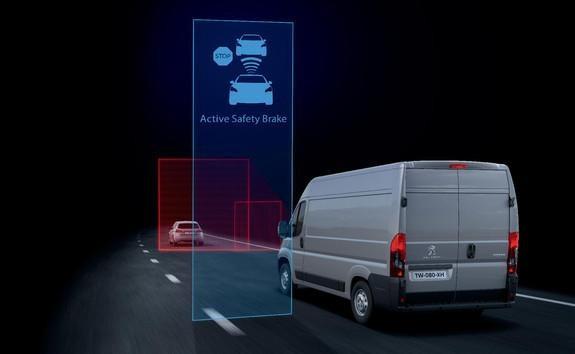 Kastenwagen-PEUGEOT-Boxer-Active-Safety-Brake