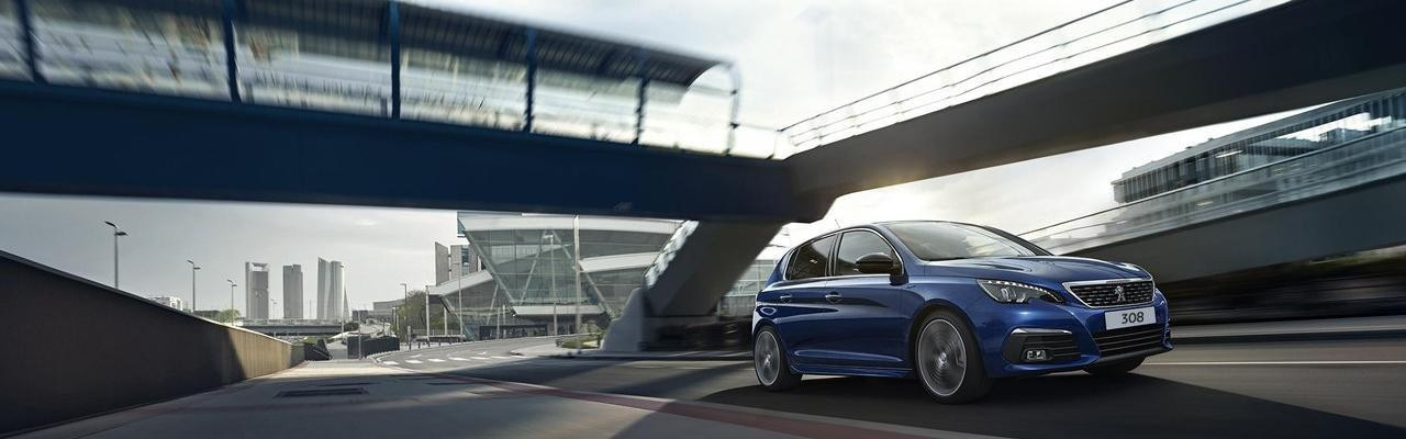 PEUGEOT 308 Kompaktwagen blau modern