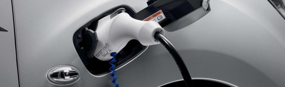 PEUGEOT-Elektrofahrzeuge-einfach-aufladen