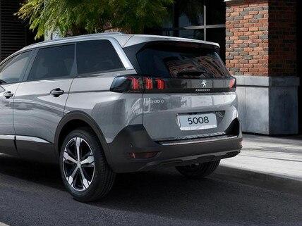 Neuer SUV PEUGEOT 5008 - geraeumiger SUV fuer Geschaeftskunden