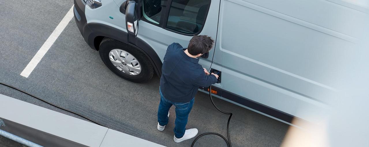 Neuer PEUGEOT e-Boxer Kastenwagen – Elektrofahrzeug