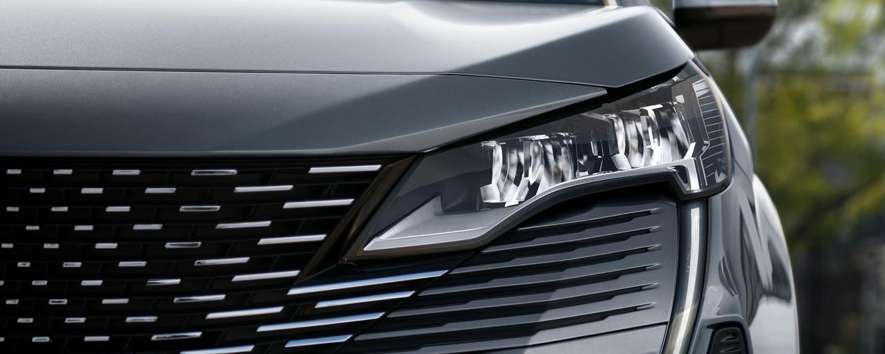 Neuer SUV PEUGEOT 5008 - mit bis zu 7 Sitzen entdecken