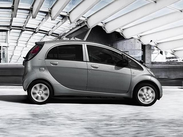PEUGEOT Elektroauto Design Seitenansicht