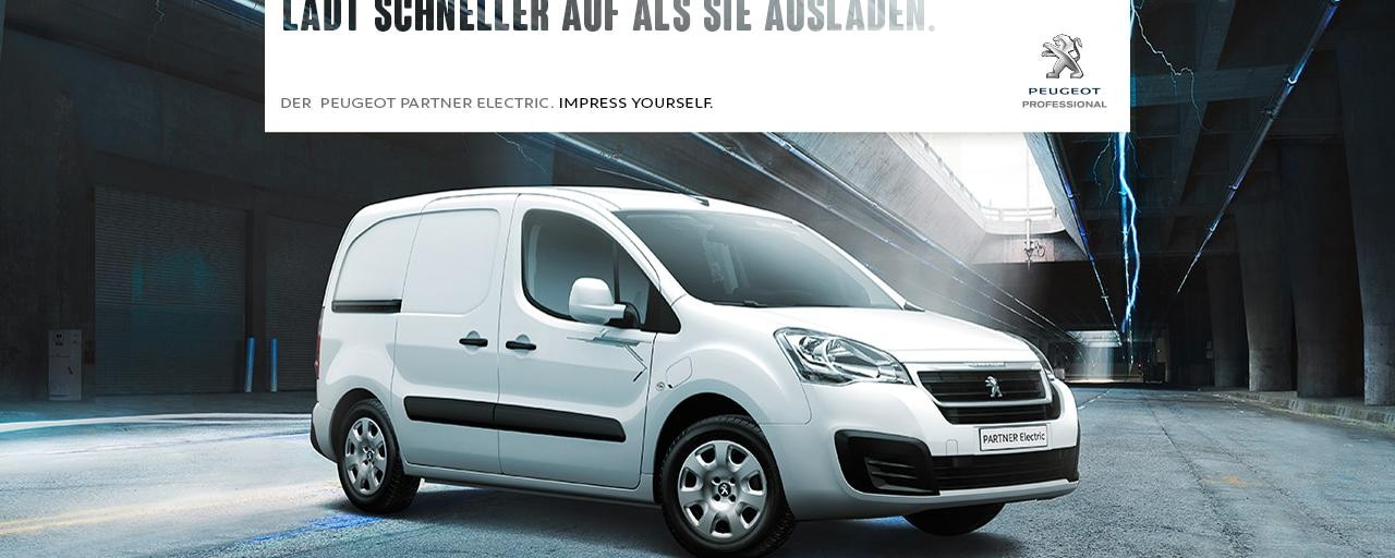 PEUGEOT-Partner-Electric-Elektroauto in einer Lagerhalle