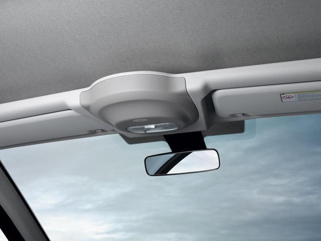 PEUGEOT-Partner-Kastenwagen-Design-Innenraum-Rückspiegel