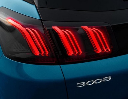 Neuer SUV PEUGEOT 3008 – Heckleuchten in Drei-Krallen-Optik
