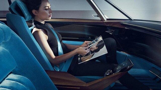 PEUGEOT-Concept-Car-e-Legend-Responsive-i-Cockpit®